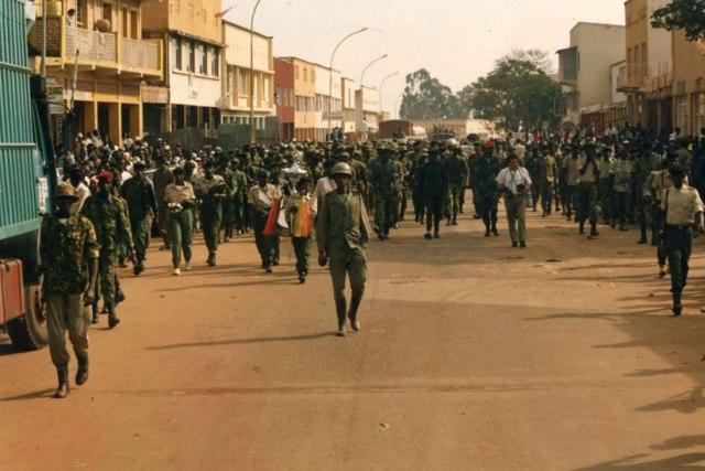 Ingabo za FPR zinjira mu mujyi wa Kigali, igihe inzirabwoba zari zimaze kuwuvamo