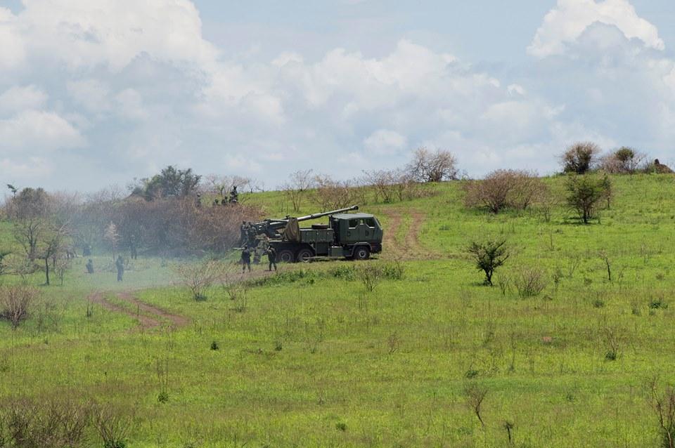 Soltam/Elbit Systems ATMOS 2000 155mm Self-Propelled Howitzer irimo gukoreshwa n'ingabo za RDF i Gabiro tariki ya 4 Ugushyingo 2016